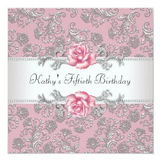 Fiesta del cumpleaños de la mujer color de rosa comunicado personalizado