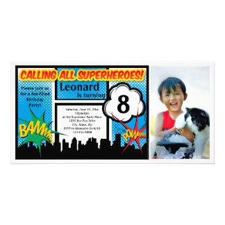 Fiesta del cumpleaños del muchacho cómico del tarjetas personales con fotos