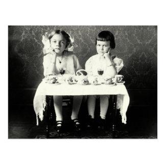 Fiesta del té de 1900 novias tarjeta postal