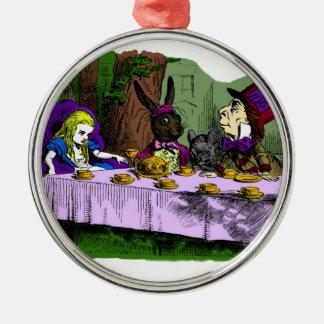 Fiesta del té enojada del sombrerero con Alicia Ornamentos Para Reyes Magos