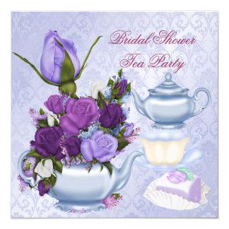 "Fiesta del té floral púrpura de la ducha nupcial invitación 5.25"" x 5.25"""