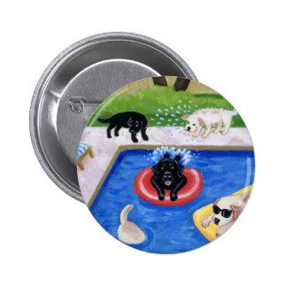 Fiesta en la piscina Labradors Pin Redondo De 2 Pulgadas
