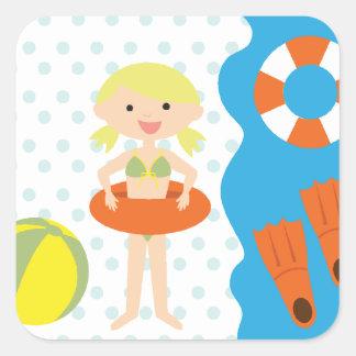 Fiesta en la piscina rubia del chica calcomanías cuadradass personalizadas