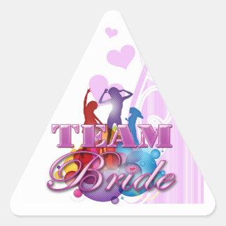 Fiesta nupcial del baile del equipo de las damas pegatina triangular