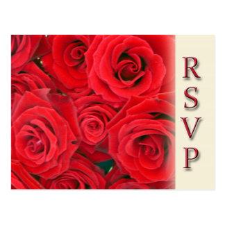 Fiesta o casar las postales de RSVP - rosas rojos