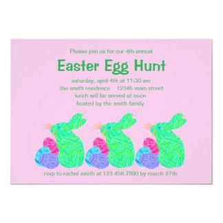 """Fiesta verde de la caza del huevo de Pascua del Invitación 4.5"""" X 6.25"""""""