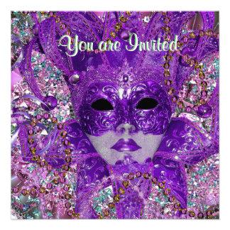 Fiesta verde y púrpura de la mascarada invitaciones personales