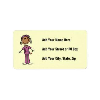 Figura afroamericana enfermera del palillo etiquetas de dirección