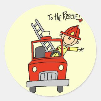 Figura bombero del palillo al rescate pegatina redonda