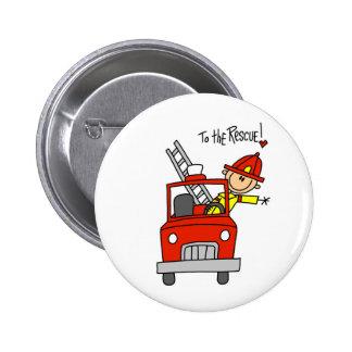 Figura bombero del palillo con el botón del coche  pin redondo de 2 pulgadas