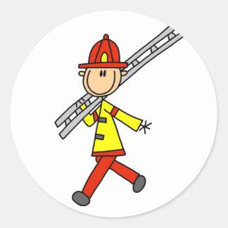 Figura bombero del palillo con la escalera etiquetas redondas