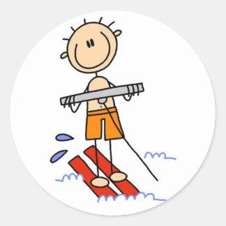 Figura camisetas y regalos del palillo del esquí pegatina redonda