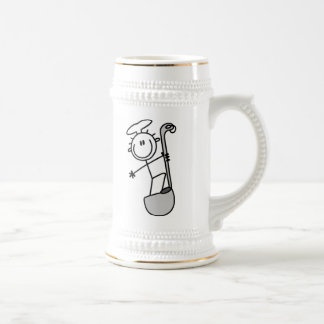 Figura cocinero del palillo con la cucharón jarra de cerveza