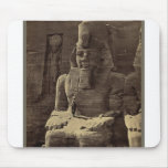 Figura colosal, Abu Sunbul, Egipto circa 1856 Tapetes De Raton