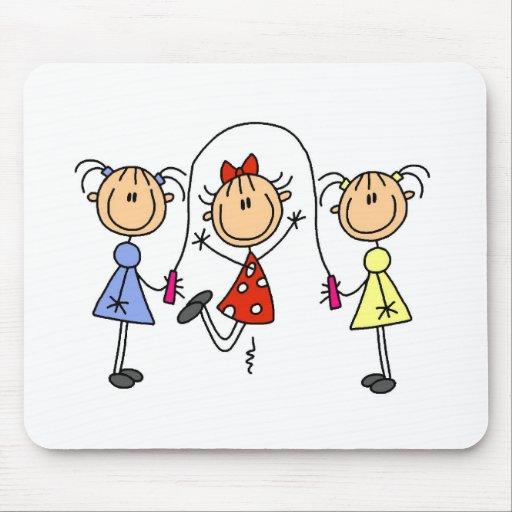 Figura cuerda del palillo de salto de los chicas mouse pad