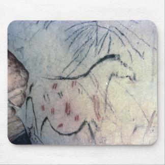Figura de una yegua embarazada con la línea parale alfombrillas de ratones