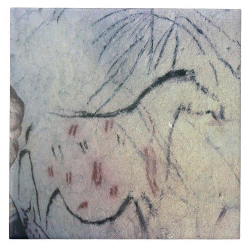 Figura de una yegua embarazada con la línea parale azulejos