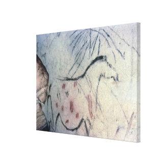 Figura de una yegua embarazada con la línea parale lona envuelta para galerías