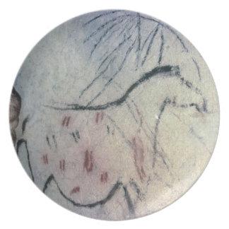 Figura de una yegua embarazada con la línea parale plato de cena