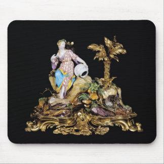 Figura de Vincennes de una náyade Tapetes De Ratón