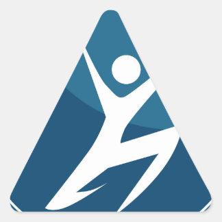 Figura del palillo de la actitud de la acción que pegatina triangular