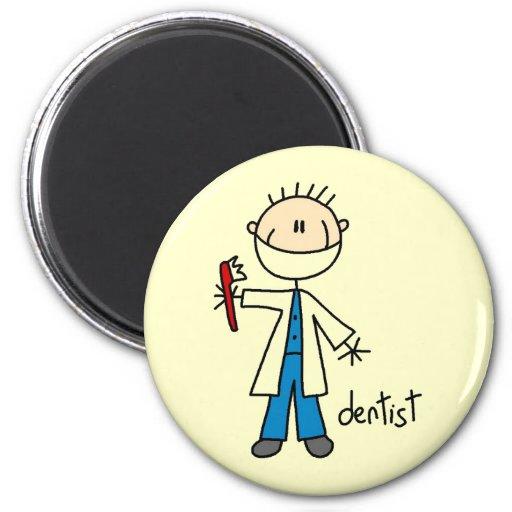 Figura del palillo del dentista imán redondo 5 cm