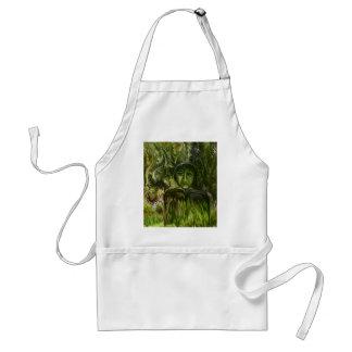Figura en el bosque por el rafi talby delantal
