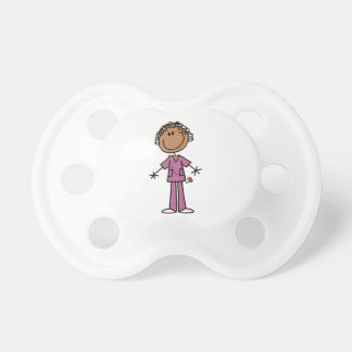 Figura femenina afroamericana enfermera del palill chupetes para bebés