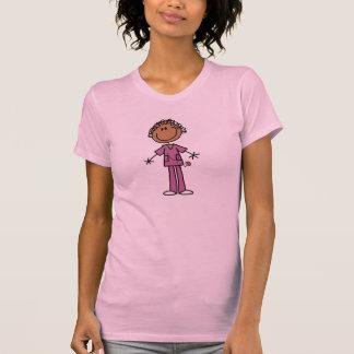 Figura femenina afroamericana enfermera del camiseta