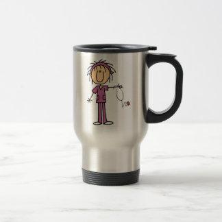 Figura femenina enfermera del palillo taza de café
