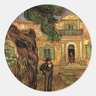 Figura hospital de los árboles de pino de Van Gogh Pegatina Redonda