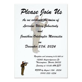 Figura masculina extracto brown.png del violinista invitación personalizada