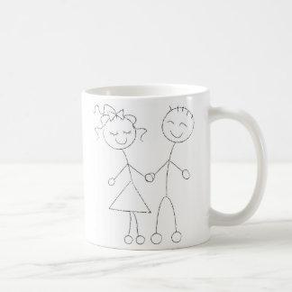 Figura muchacho y chica del palillo taza básica blanca