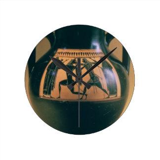 Figura negra amphora del ático que representa Thes Reloj Redondo Mediano