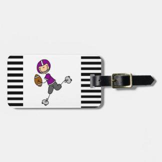 Figura púrpura del palillo del fútbol etiquetas maletas