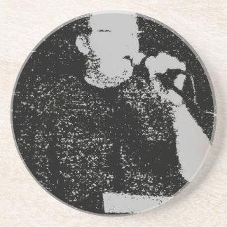 Figura que habla blanco y negro resumido posavasos manualidades