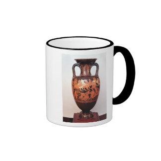 Figura roja amphora del ático taza