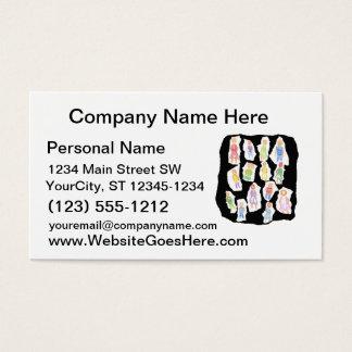Figuras coloridas de la gente que dibujan el papel tarjetas de visita