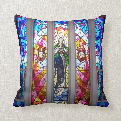 Figuras en almohada del vitral