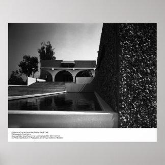 Figuras y piscina en UCR, marzo de 1966 por Ansel  Póster