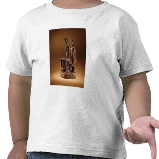 Figures with xylophone tshirts