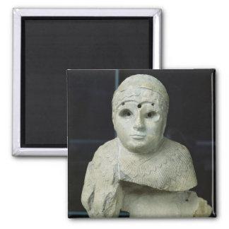 Figurilla de una mujer con el mantón, período de A Imán Cuadrado