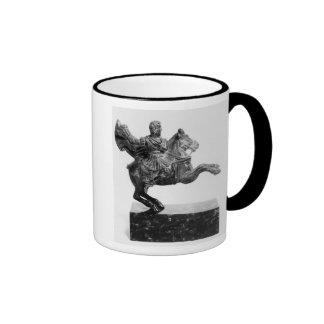 Figurilla ecuestre de Alexander el grande Tazas De Café