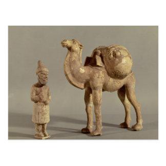 Figurillas funerarias de un camello cargado postales