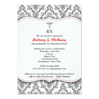 Fijación negra y roja clásica de la graduación de invitación 12,7 x 17,8 cm