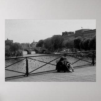 Fijar el enamorados del Puente de las Artes Póster