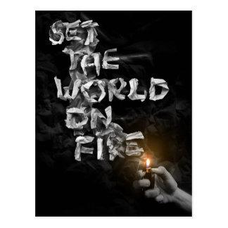 Fije el mundo en el fuego postales