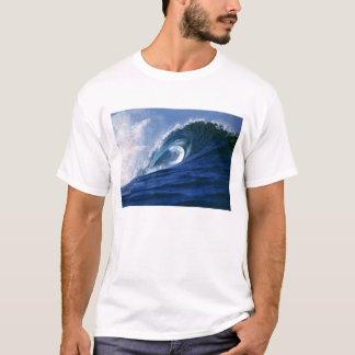 Fiji Islands, Tavarua, Cloudbreak. A wave T-Shirt