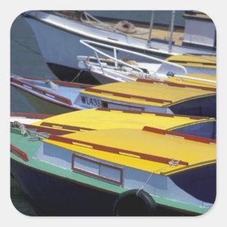 Fiji, Viti Levu, Lautoka, botes pequeños en puerto Pegatina Cuadrada