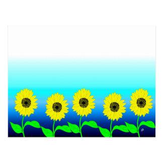 Fila amarilla brillante de girasoles postales